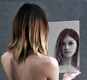 Az önképünk egy csalfa tükre az életünknek.